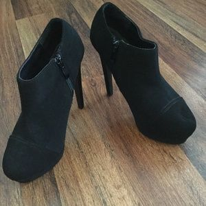 FORWEVER HIGH HEEL ANKLE BOOTS SZ 6